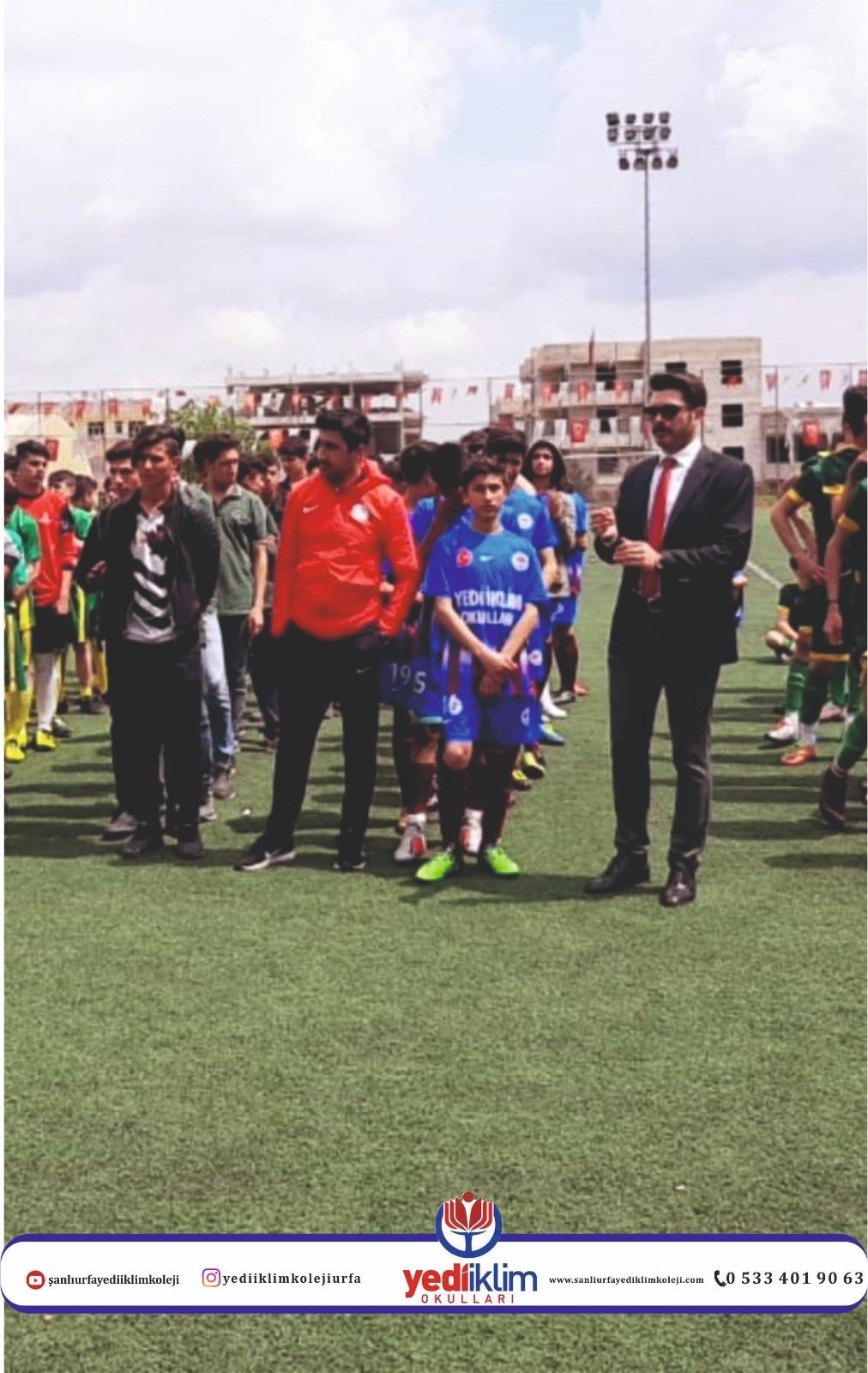 Belediyemizin Düzenlediği Liseler Arası Futbol Turnuvasında İl İkincisi Olarak Büyük Bir Başarıya İmza Attık...